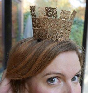 The Makeup Dummy | DIY Lace Crown