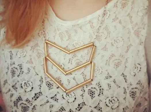 The Makeup Dummy|DIY Straw art necklace design, very easy to make!