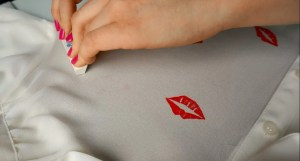 How to make your own stamp out of an eraser DIY Lips Stencilled Blouse with fabric paint | A DIY by The Makeup Dummy