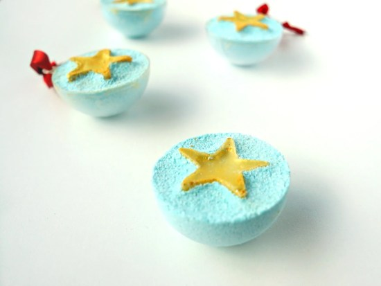 These make such cute gifts! DIY Bath Bombs with glitter star bath melts! How To Tutorial by The Makeup Dummy