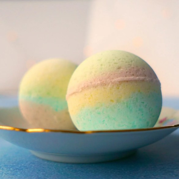 How To DIY Unicorn Poop Bath Bombs! Tutorial by The Makeup Dummy