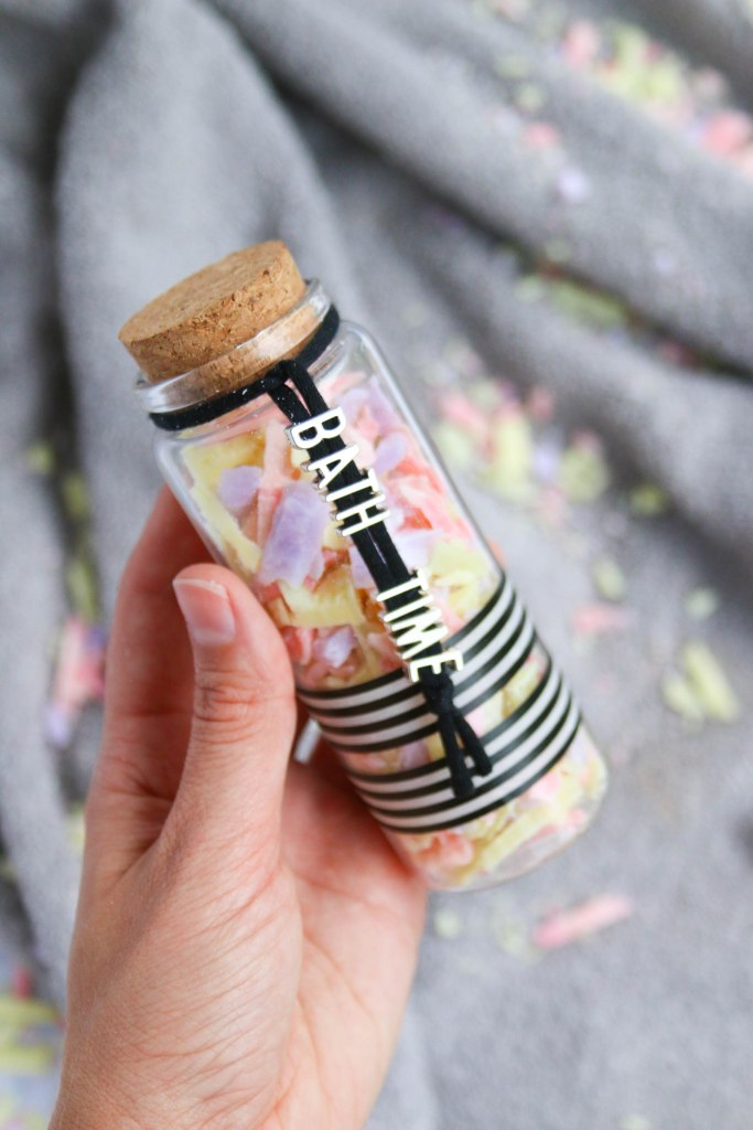 Easy DIY Gift Idea! How To make Homemade DIY Sprinkles from soap leftovers! Find the tutorial on The Makeup Dummy (DIY by Mollipop)