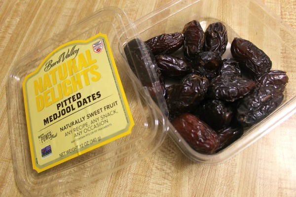 Using dates to make homemade Larabar bites