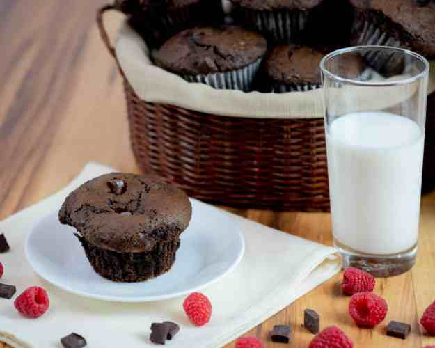 Costco copycat jumbo chocolate chunk muffins