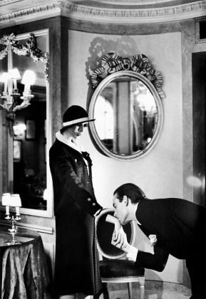 At Maxim ́s from the series Sleepless Nights Paris 1978 © Helmut Newton Estate