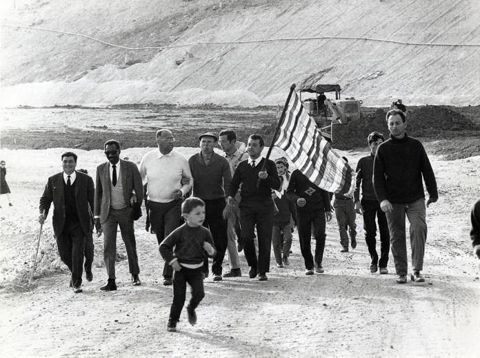 Marcia per la Sicilia Occidentale e per un mondo nuovo, 1967 © Toni Nicolini/ Archivio CRAF