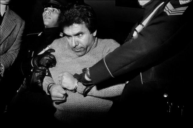 Letizia Battaglia L'arresto del feroce boss mafioso Leoluca Bagarella Palermo, 1980 Courtesy l'artista