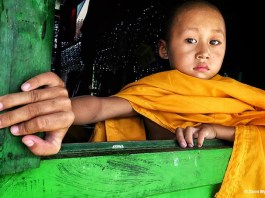 MYANMAR_Zarni_Myo Win_NOVICE IS THINKING SOMETHING_Portraits_Apple_6s