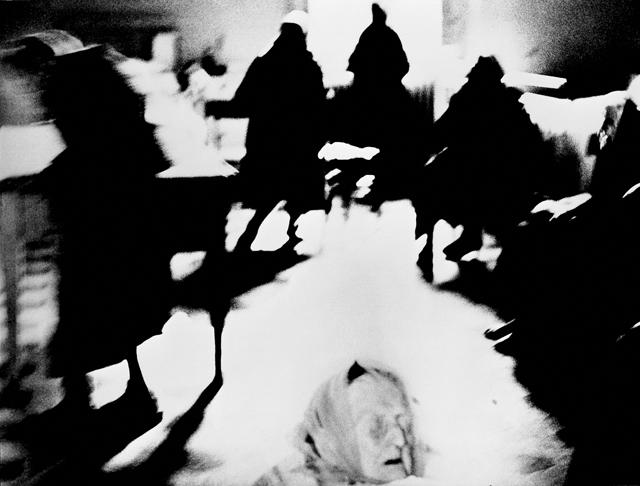 Mario Giacomelli, Dalla serie Verrà la morte e avrà i tuoi occhi, 1954-56 © Simone Giacomelli