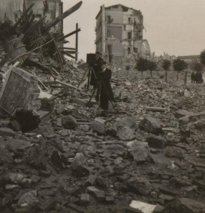 Luca Comerio  Erdbebenkatastrophe, Messina 1908 riproduzione dalla serie di stereoscopie  ed. NPG Steglitz
