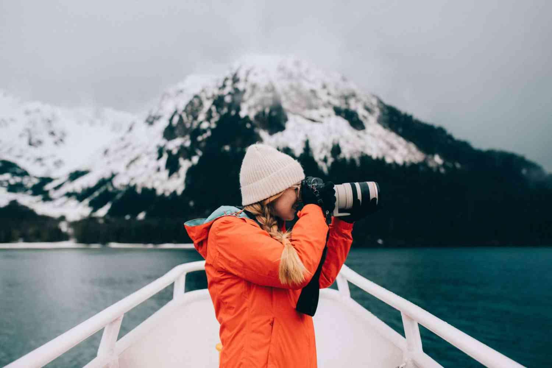 Canon 100-400 lens - What To Wear Alaska Road Trip - TheMandagies.com