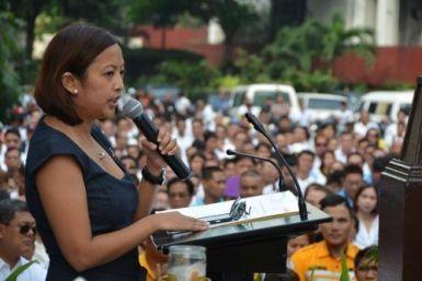 14902464_mayor-binay-urges-makati-residents-along_tc3859003