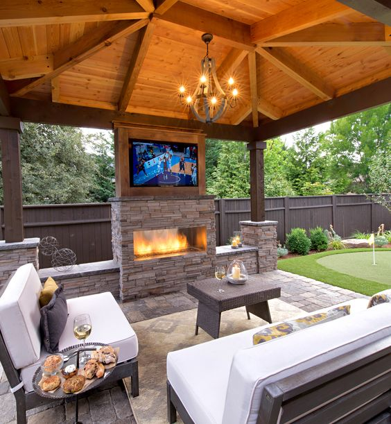 luxury outdoor entertaining