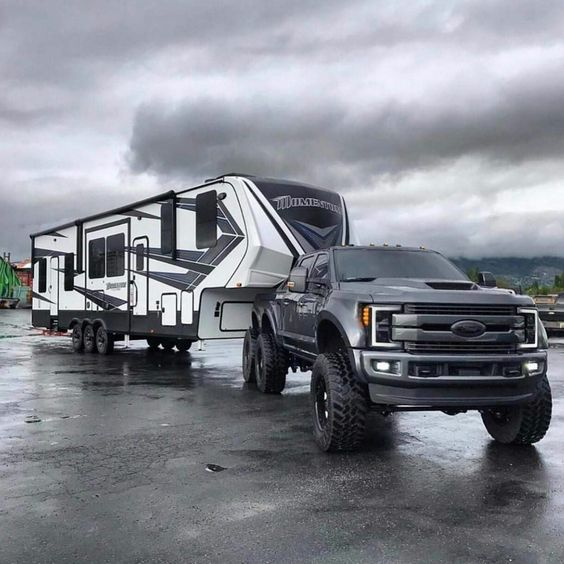 ford truck pulling camper