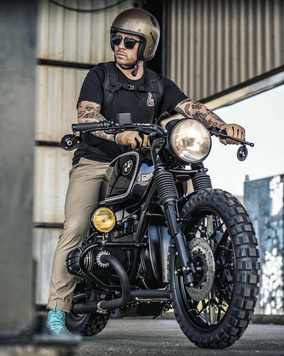 man on bmw scrambler