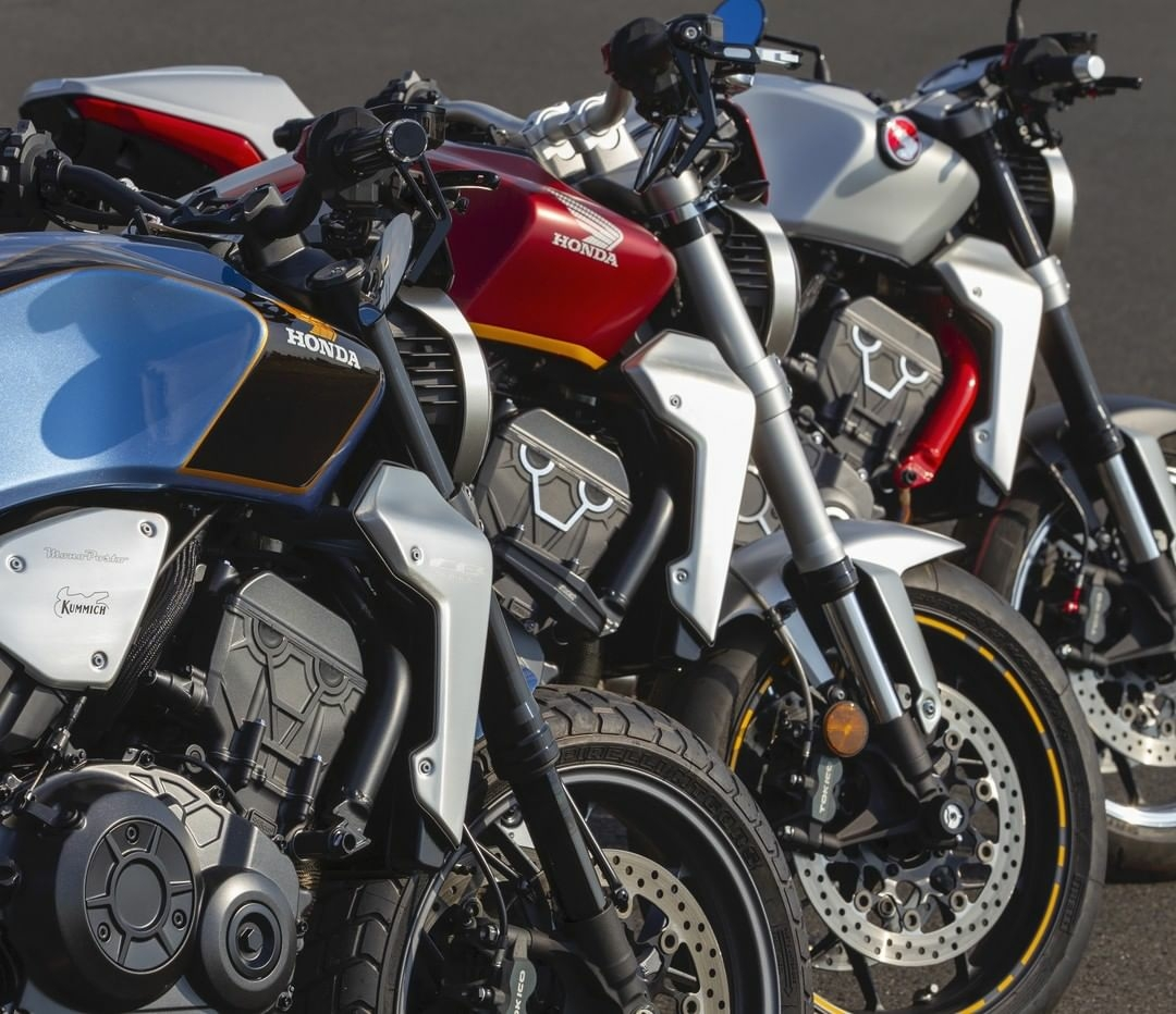 honda motorcycles lined up