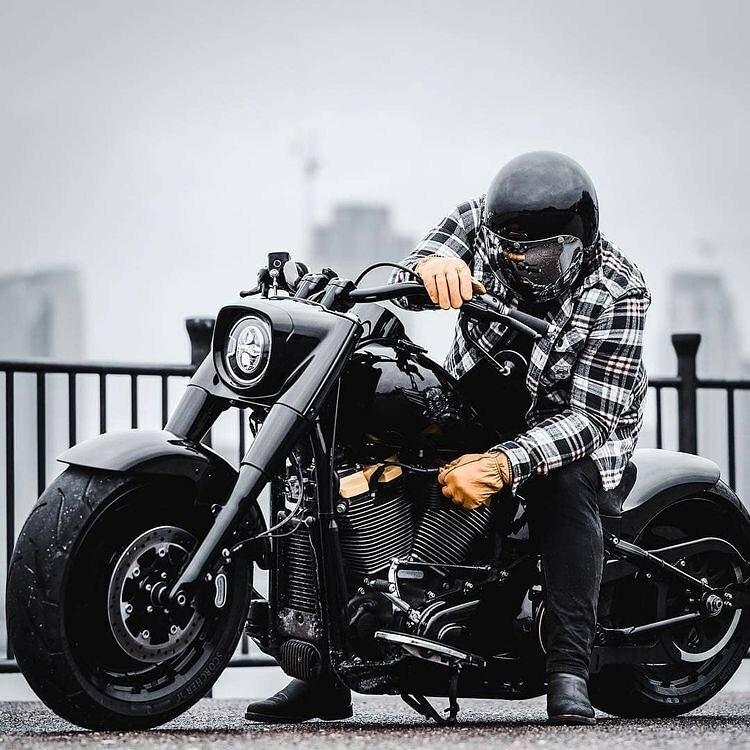 black fat bike