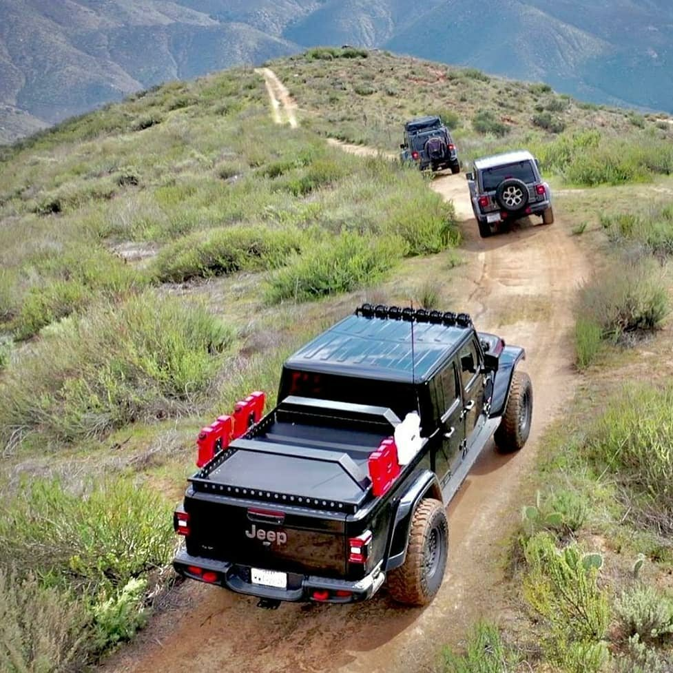 offroad jeep gladiator