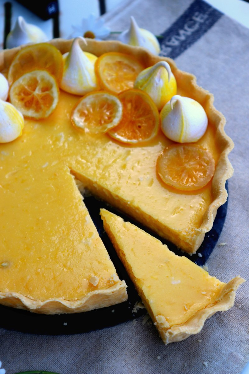 sliced lemon tart