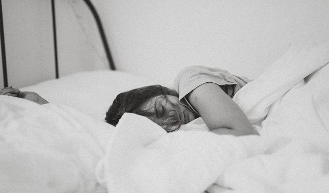 avoid falling asleep in class