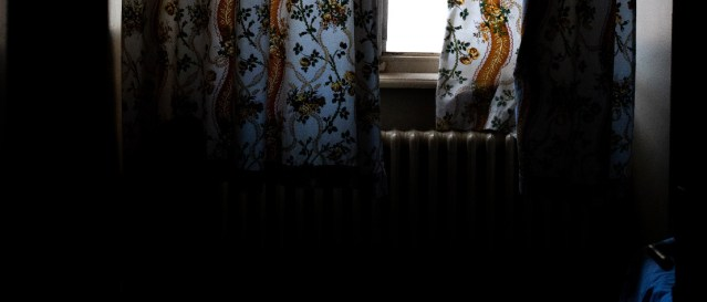 Sleep time! Dim the lights and shut the curtains so that your child can sleep in the dark.