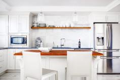 condoinwhite-kitchen