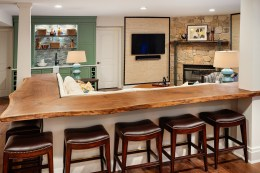 Giant island and entertaining space