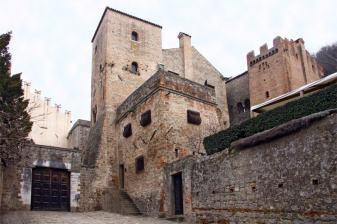 Viaggio nell'Italia stregata tra castelli e fantasmi