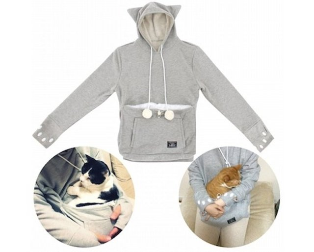 This feline-friendly hoodie comes with a pocket to carry your cat around in. | www.themeowplace.com