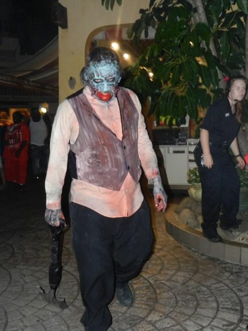 Howl-O-Scream Busch Gardens Tampa Bay. Zombie clown ready to prance on you.