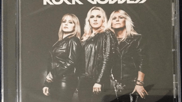 Rock Goddess : 'It's more than rock and roll' MCD 2017 Bite You To Death Records.