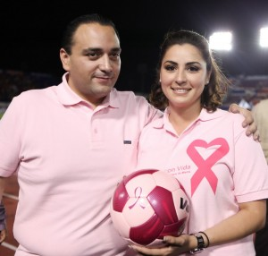 The Governor of Quintana Roo, Roberto Borge Angulo with his wife, Mariana Zorrilla de Borge, officially kick-off Breast Cancer Awareness Month in Cancun