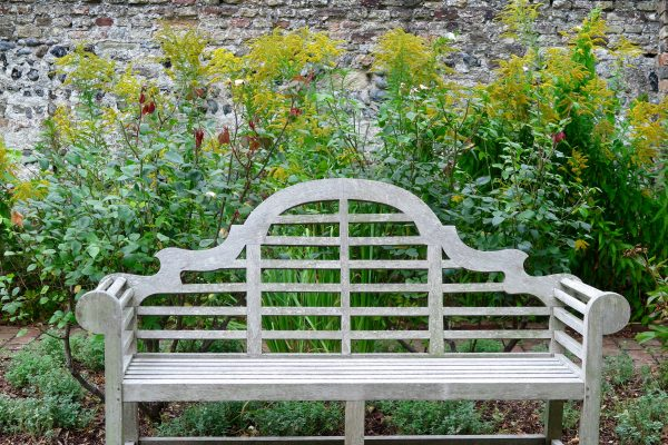 A Lutyens bench for a Lutyens house