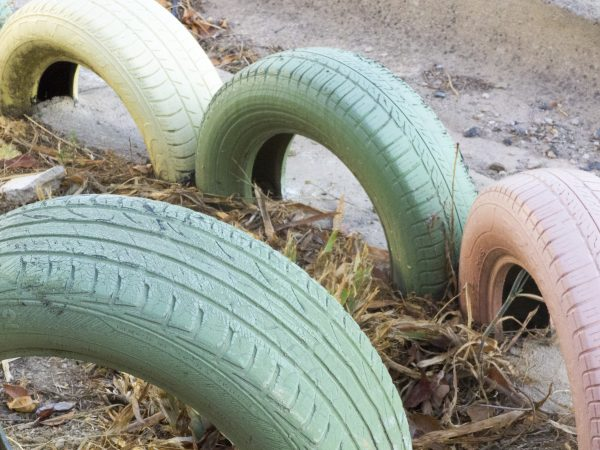 Painted car tyre edging