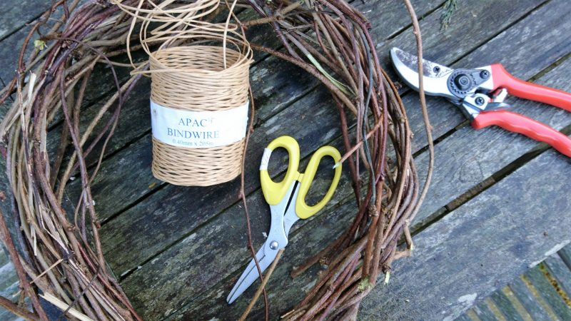 Kit for making a twig wreath