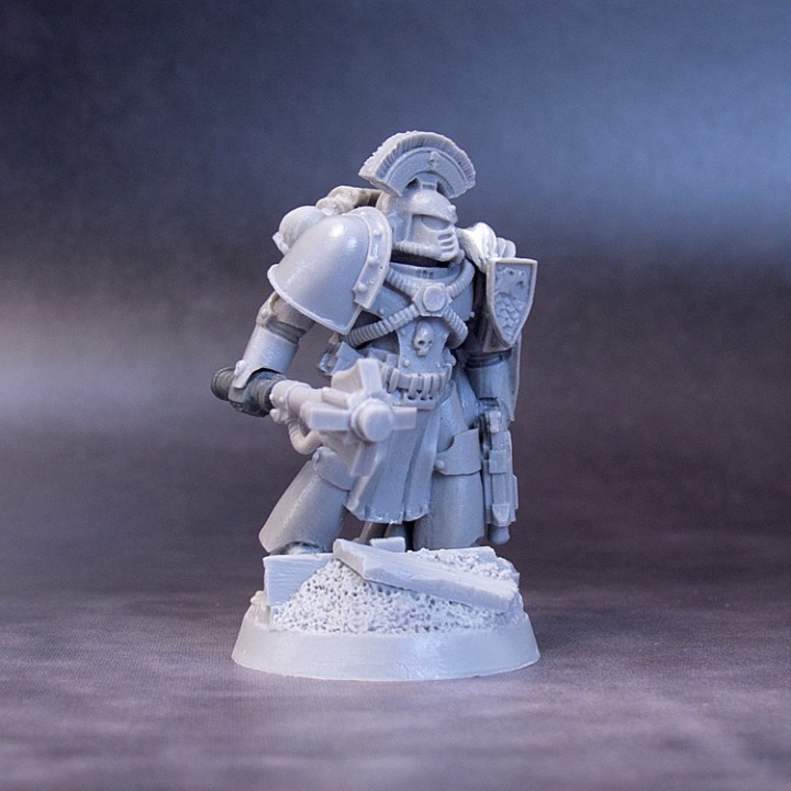 Imperial-Fist-Captain-WIP-02