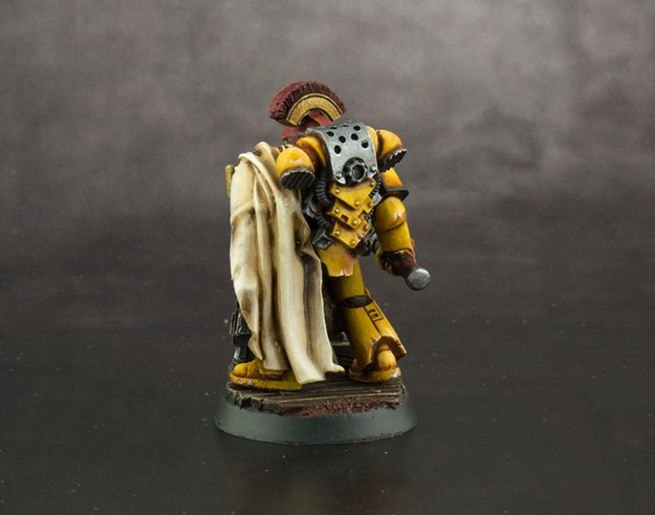 Imperial-Fist-Captain-FINISHED-03