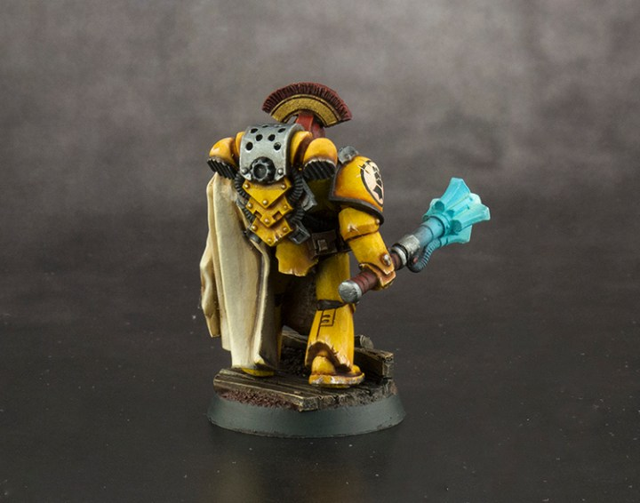 Imperial-Fist-Captain-FINISHED-04