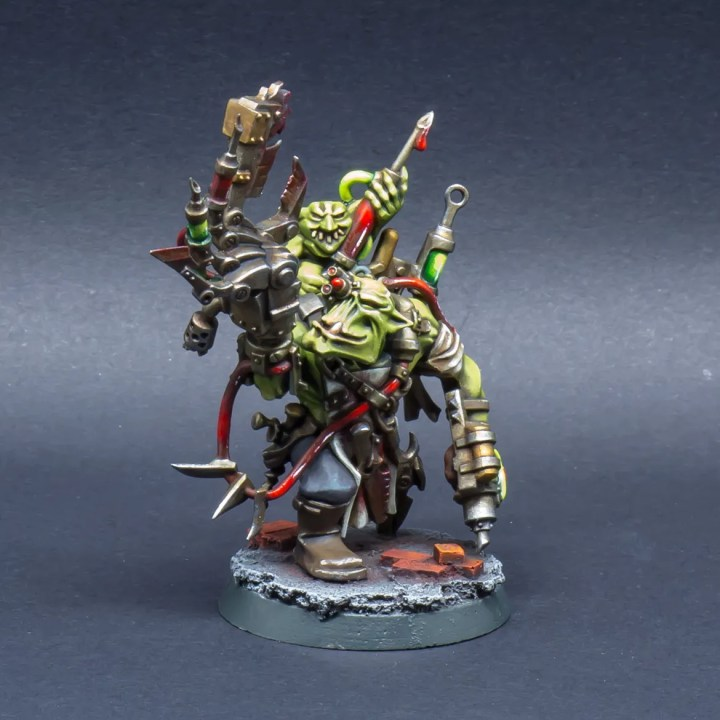 40k-Ork-Bad-Moonz-Painboy-02