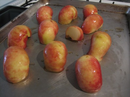 Peaches ready for roasting