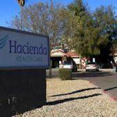 Mujer en estado vegetativo por más de una década da a luz en un centro médico de Arizona.