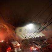 Incendio en el mercado de la Merced en Ciudad de México deja al menos 2 muertos y 8 heridos…
