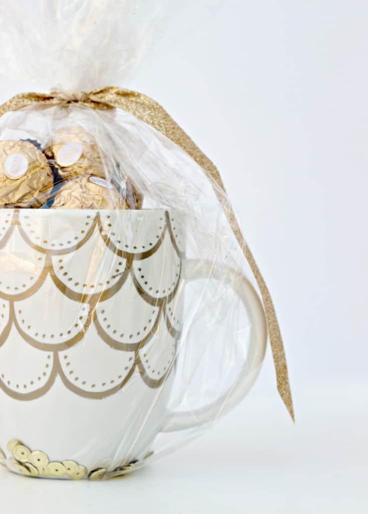 gold-sharpie-doodle-mug_31-734x1024