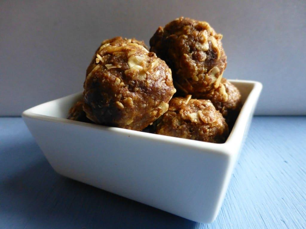 Almond Butter Oat Chocolate Chip Balls