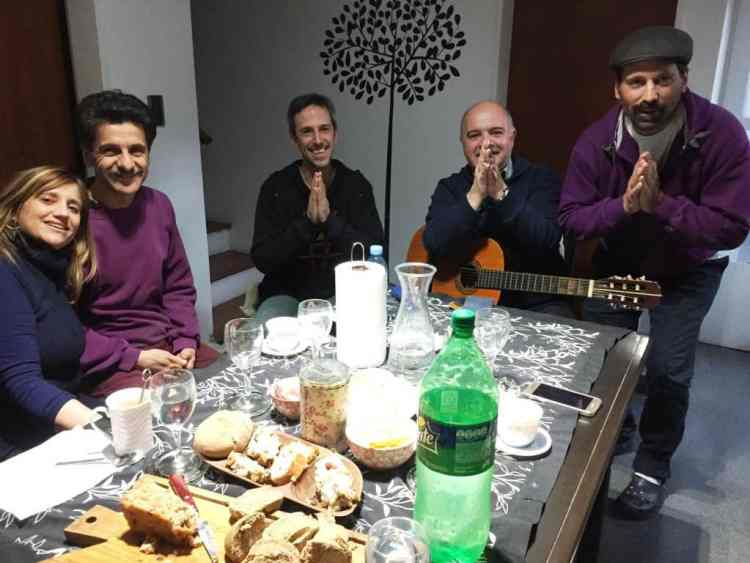"Snacking and talking at Baba get-together - ""The personal"" touch"" in a big Argentine city"