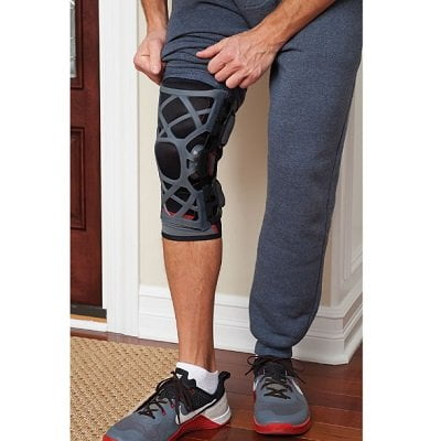 Pain-Relieving-Knee-Brace-1