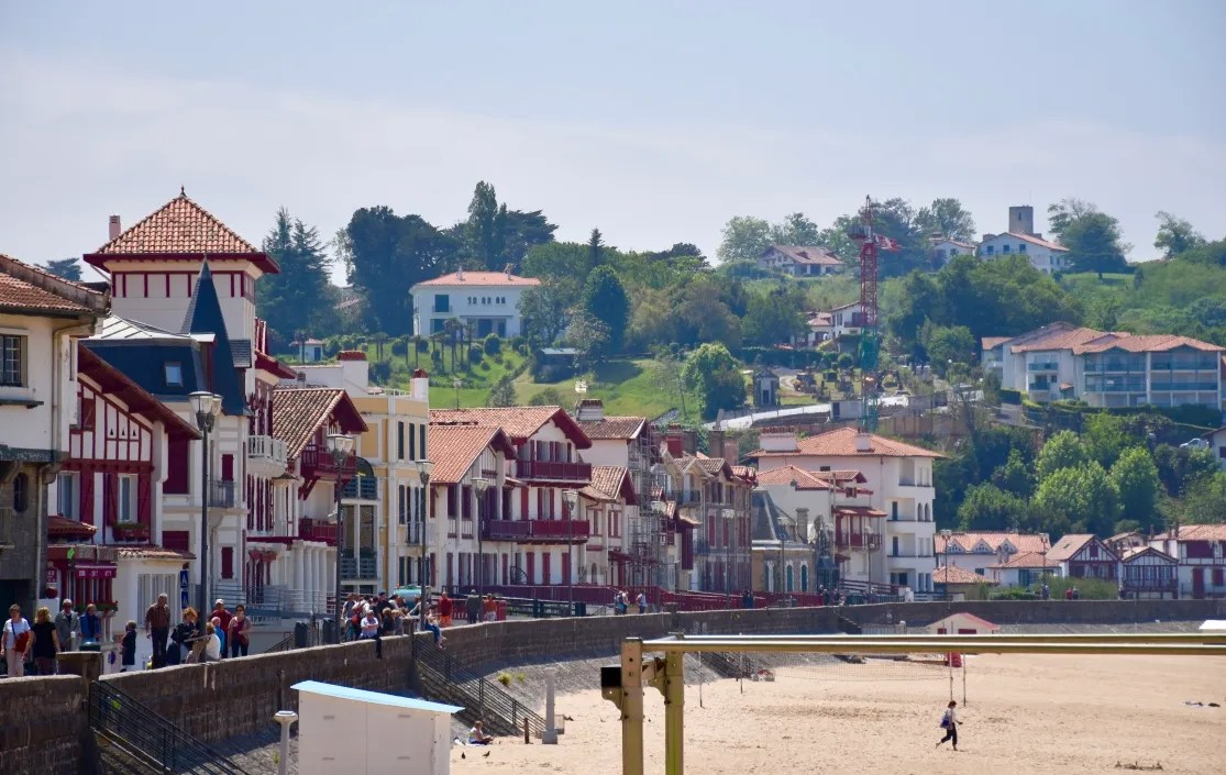 beach-promenade-saint-jean-de-luz