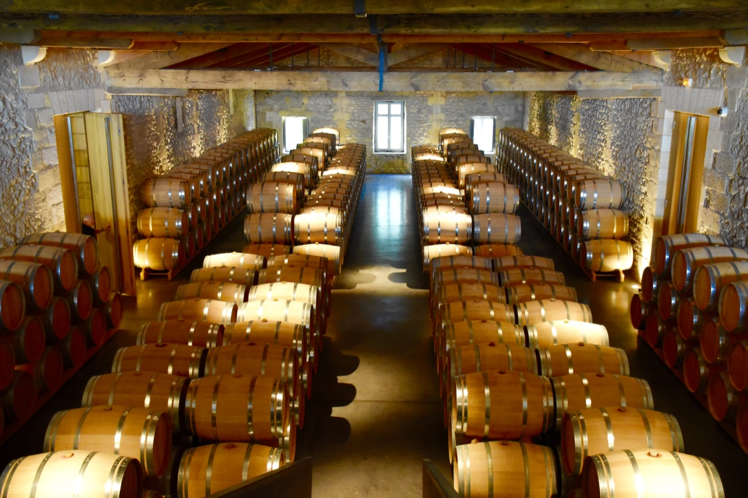 chateau-de-ferrand-barrel-room