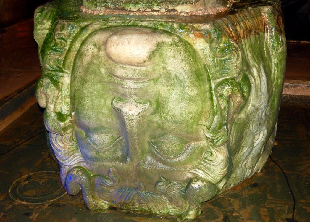 basilica-cistern-medusa