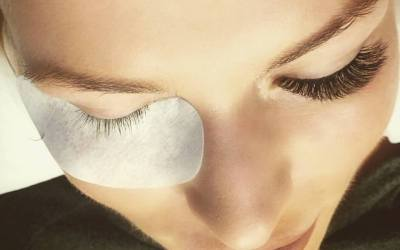 Russian Volume Lashes From Rouge Day Spa Get a Thumbs Up From Sarah Vaughan!